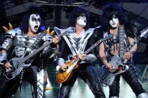 Gene Simmons,Tommy Thayer, Paul Stanley