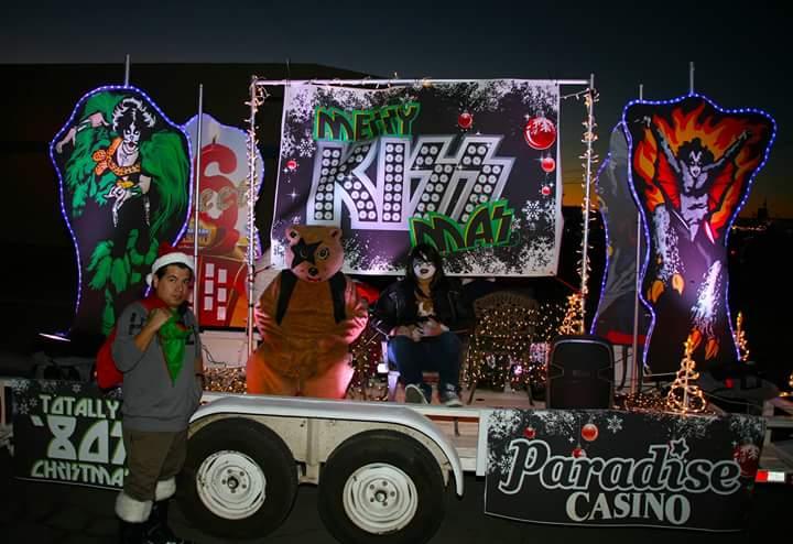 kissmas comes to the dorothy young light parade in yuma az