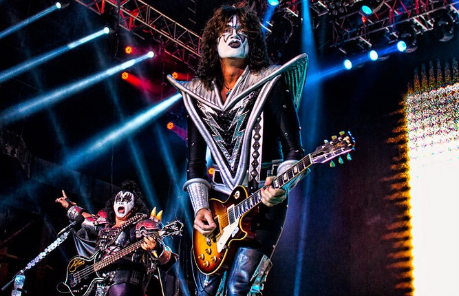 Tommy Thayer 02 011015