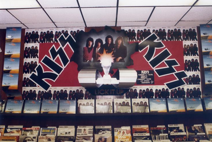 1983_Kiss