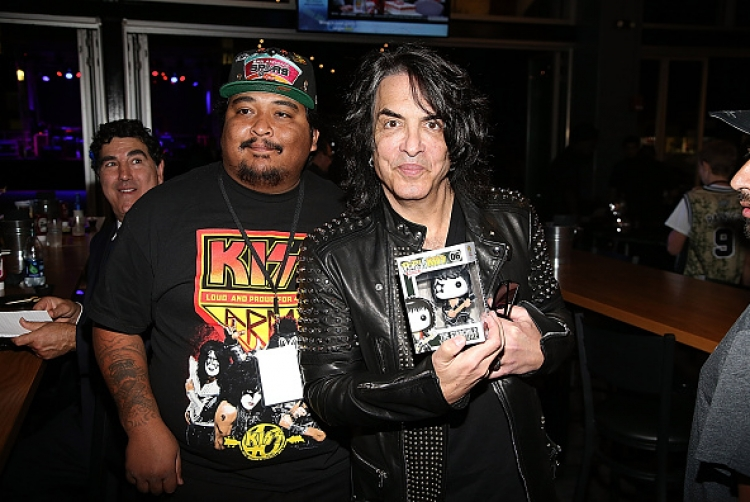 rock-and-brews-opening-with-paul-stanley